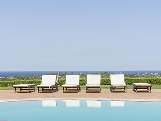 Sea View apartment,5 minutes from the beach, pool, free wifi. BBQ