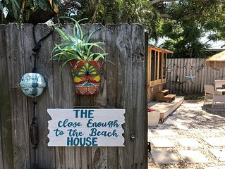 Unique Tiny Home Space, Indian Rocks Beach Area-Bikes/Kayaks-Enclosed HOT TUB!