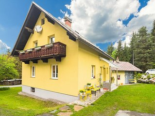 Spacious Holiday Home in Tropolach near Ski Area