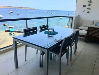 The Moll Apartment - Seaside Holiday Home