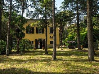 Villa Neri Serneri residenza nobiliare con bellissimo parco sulla Val di Chiana