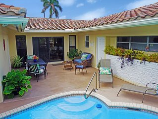 Three Bedroom Home In Paradise, Steps From The Beach And Town, Heated Pool
