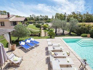 Ad Alghero Splendida Villa Mariposa, con piscina, per 12/14 persone
