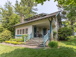 The Suddreth Cottage - Walk to Main Street Blowing Rock - Private Garden with Ga
