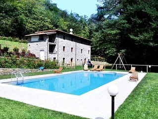 Stunning Old Stone Tuscan Villa near Lucca & Pescaglia with a great private pool