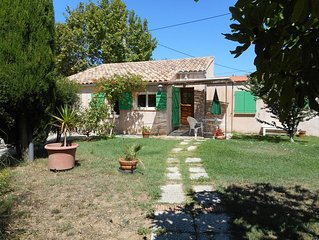 SANARY SMALL HOUSE UNDER COUNTRY GARDEN GRAND PARKING DOGS WELCOME