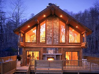 Watershed 1, Roomy Secluded Hand Crafted Log Cabin Close to Nantahala River and