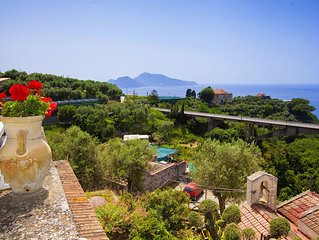 Family-friendly -sea view -villa fo 10 people, private parking-terrace