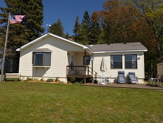 Comfortable & Charming Cottage on Lake Michigan, 1 block from Camp Arcadia