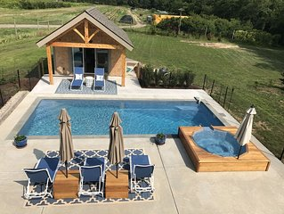 Classic Farm House in the heart of Water Mill, 2.7mi To Beach