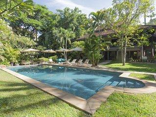 Villa 8/10personnes  450 m2, piscine privee, pick up inclus