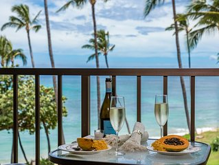 Maui SAVINGS! Right On The Beach! (sleeps 6) A/C Living Room*Kanai A Nalu 415*