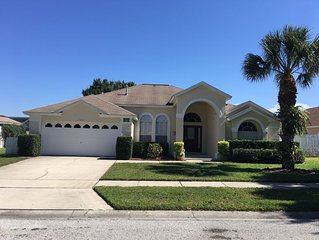 Vacation/holiday Home - 4 Br/3ba With Private Pool - 15mins From Disney