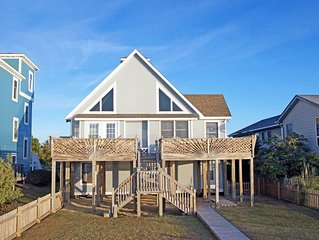 SOUNDFRONT- 4 BRs w/New Interiors, Boat Dock, Com Pool, Tennis, Dog Friendly.