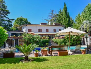 Villa with large private pool, billiard 20 kms northern Rome & 3km from village