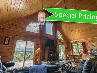 3 Peaks Lodge - SUMMER SPECIAL PRICES! - Charming Cabin with great views, hot tu