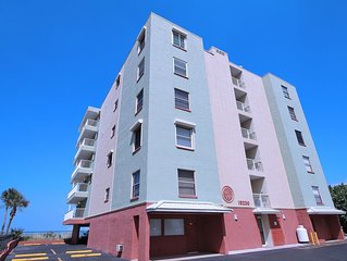 The Pointe 303 - Direct Beach Front for 4 - Pet Friendly