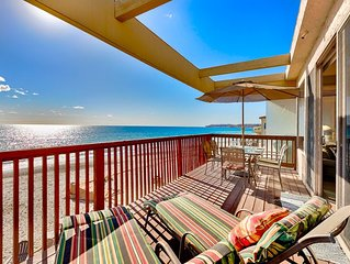 15% OFF MAR! Spacious Oceanfront Upper Level Unit w/ Deck+Amazing Water Views