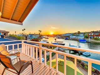 Waterfront Home, Private Dock, Incredible Views + Walk to Beach!