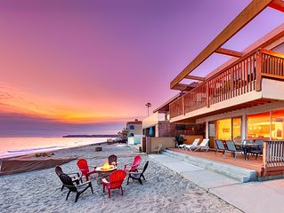 15% OFF MAR! Beachfront Spacious Duplex w/ Outdoor Living on the Sand!