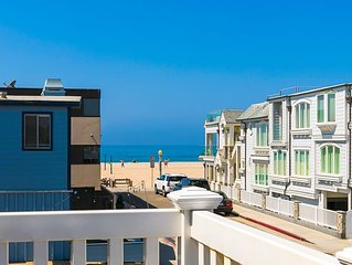 Steps to SAND w/ Views, Patio, Walk to Dining & Shops!
