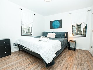 Elegant Modern Condo | Minutes from Broadway!