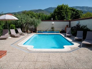 villa with heated pool & mountain views south of Rome wIthin reach of  Amalfi