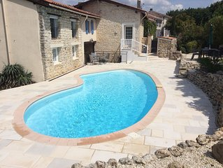 3 BED DETACHED VILLA TO RENT , SECLUDED, PRIVATE HEATED POOL, CHARENTE, FRANCE