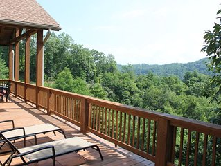 New Luxury Smoky Mountain Country Club Condo