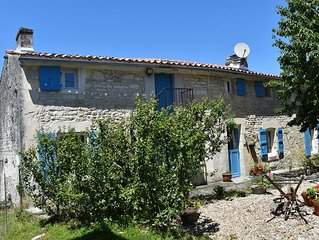 Farmhouse with Private Pool - authentic retreat perfect for family holidays