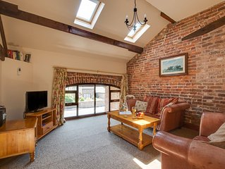 The Hayloft - Two Bedroom House, Sleeps 4