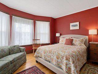 Portland B&B room - steps from Eastern Prom and beach and close to town too!