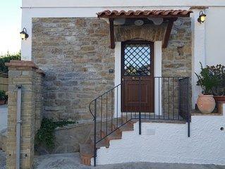 """""""Casa Alloro"""" appartamento situato in una  tranquilla zona di Agropoli."""