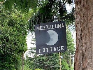 Mezzaluna - Cottage by the Sea