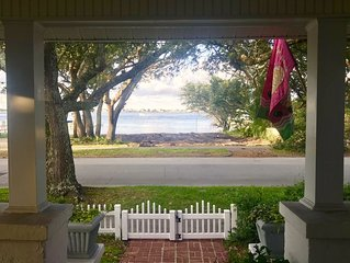Location*Location*Location* Adorable Cottage On Pristine Street In Morehead City