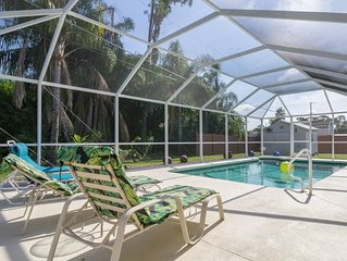 South West Florida Get-A-Way. Clean, Private and Heated POOL to 87 degrees F