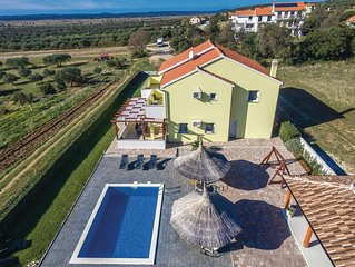 4 bedroom accommodation in Vrana