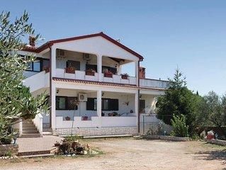 2 Zimmer Unterkunft in Peruski