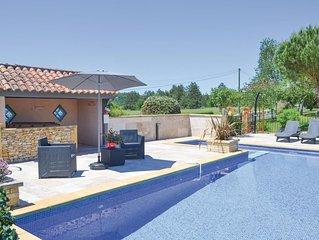 3 bedroom accommodation in Montignac