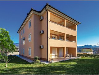 2 bedroom accommodation in Cavle