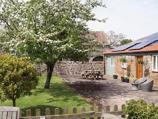 Luxury Stone Cottage at The Brake,  St Andrews.