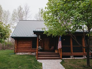 The Boardman River Lodge - 5k ft river frontage traverse city
