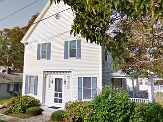 North Falmouth Partial Ocean View, 3 Min Walk To Beach, A/C WiFi Grill and Linen