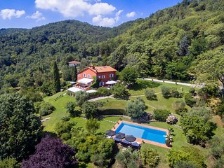 Panoramic luxury villa in hilltop location near Florence