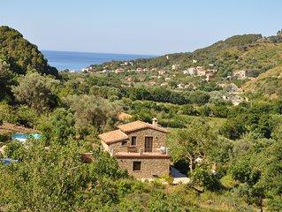 Cilento, Castellabate - Ferienhaus mit Pool + Meerblick in schöner Panoramalage