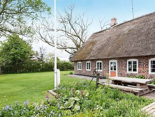 Vintage Holiday Home in Bredebro near the Sea