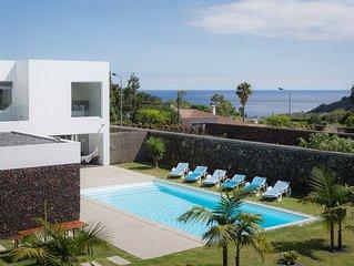Villa Moderna de Luxo com Piscina em Ponta Delgada