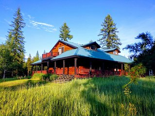 Square Log House | Sleeps 9 | WiFi | 45 Secluded Acres | Pets Welcome