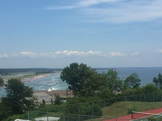 Beautiful Ocean Views - The Lookout