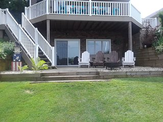 Newly redecorated  Home on Beautiful Crooked Lake